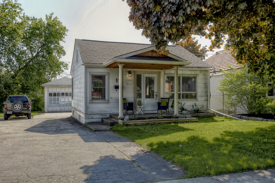19 mercer road cambridge bungalow with detached garage 25  image