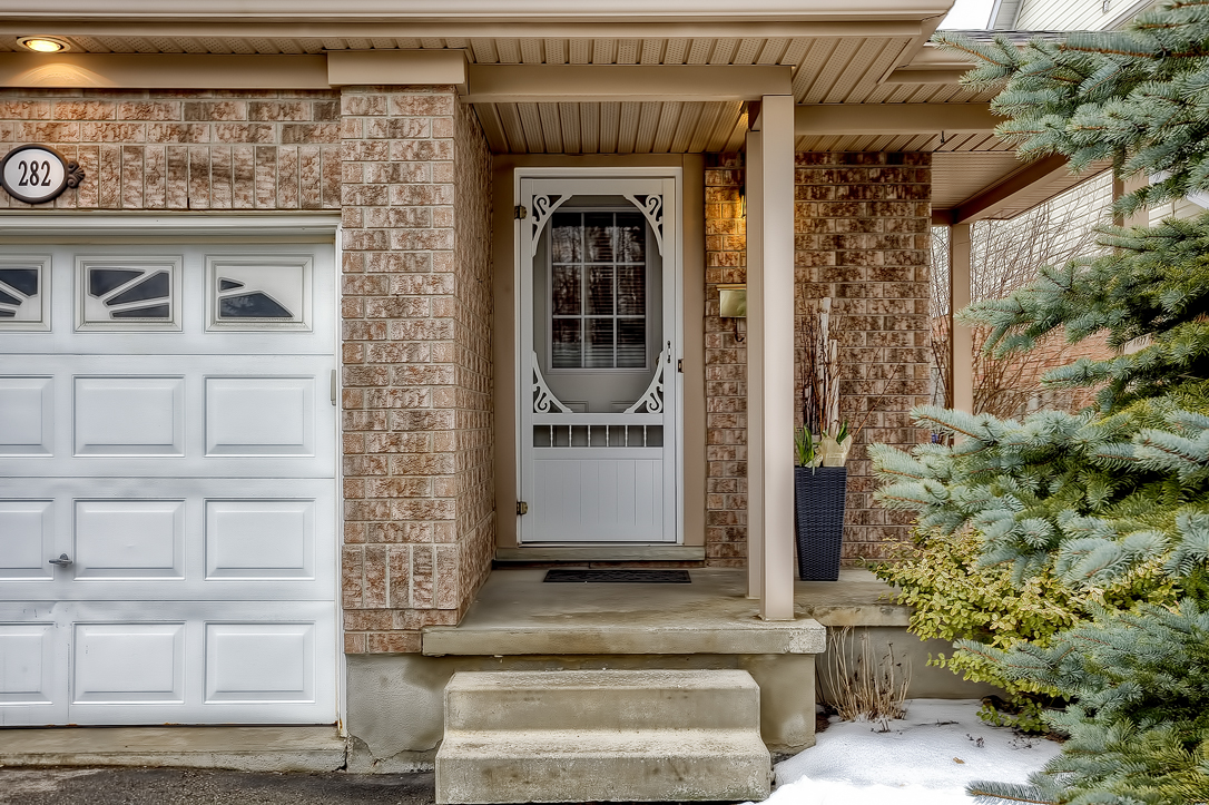 282 starwood freehold townhome guelph front porch  image