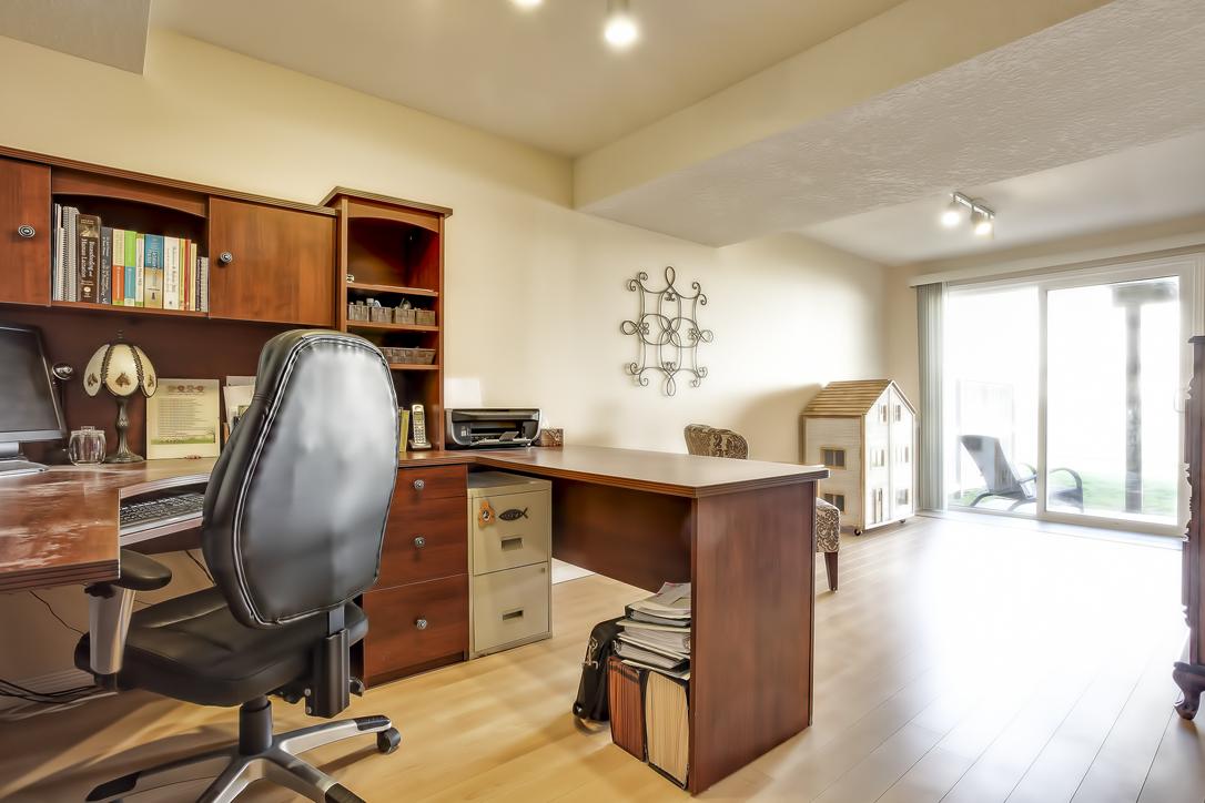 31 schroder crescent townhouse guelph 3 bedrooms garage walkout basement image
