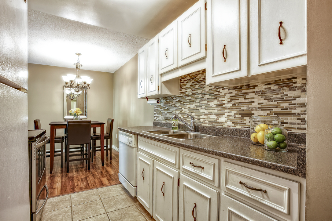 guelph 2 bedroom condo 234 willow road 302 21  image