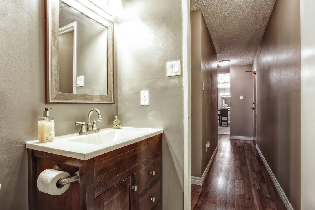 guelph 2 bedroom condo 234 willow road 302 4  image